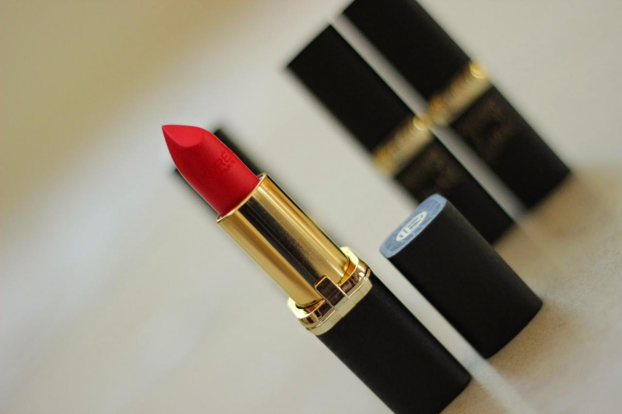 L'Oreal Collection Exclusive Julianne's Red 2