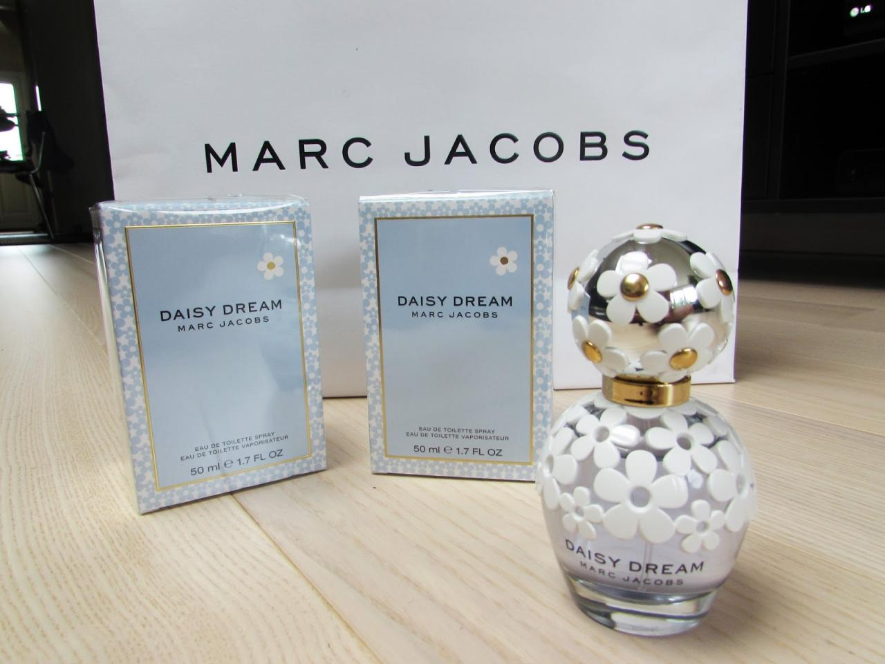 Nước hoa Marc Jacobs Daisy Dream 1