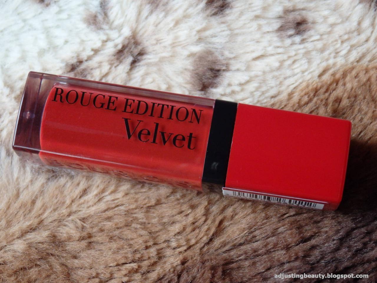 Son Bourjois Rouge Edition Velvet 01 personne ne rouge