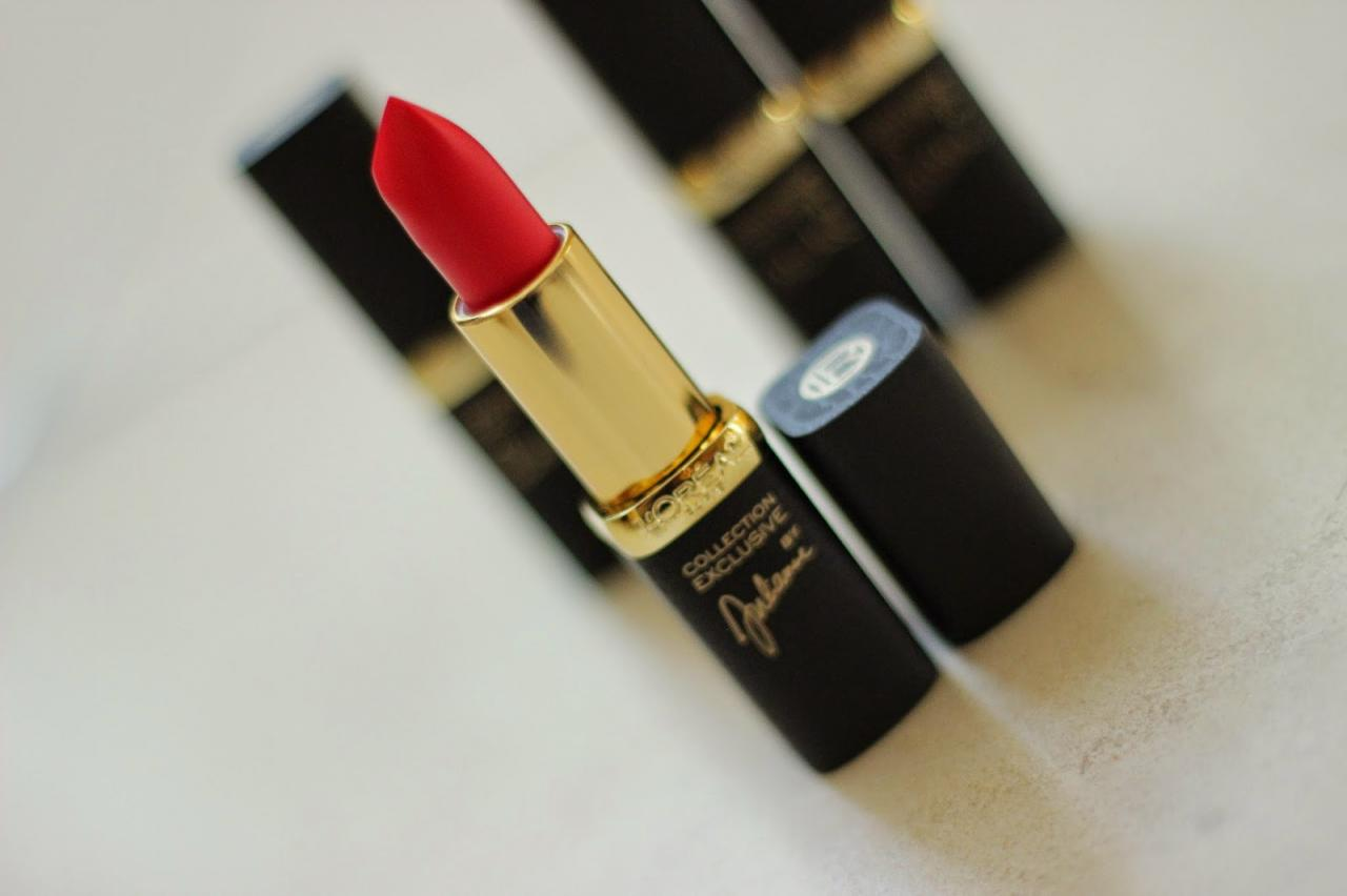 Son L'Oreal Collection Exclusive Julianne's Red 1