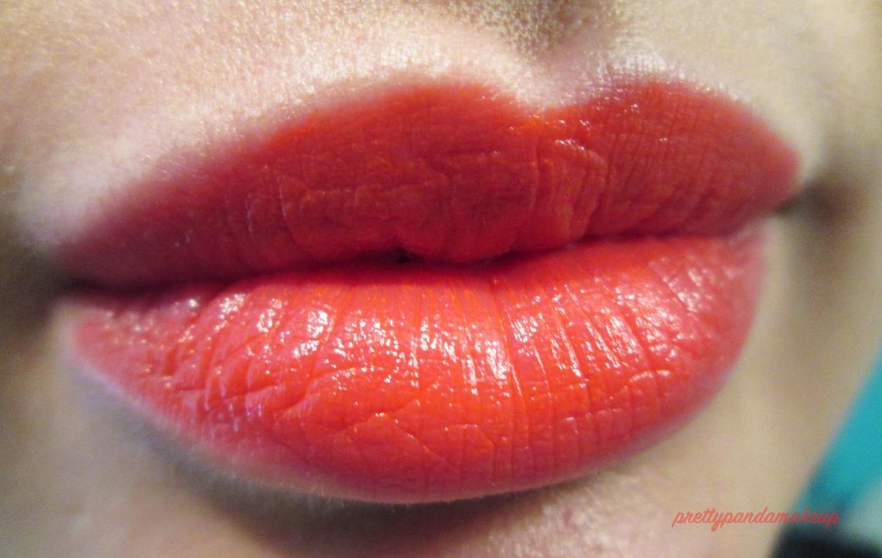 Son môi Revlon Ultra HD Geranim swatch