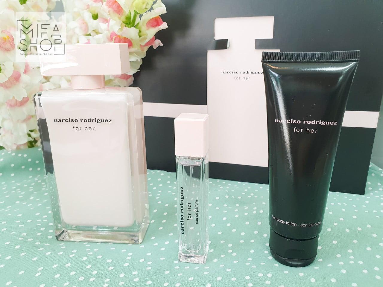 Set qùa tặng nước hoa Narciso Rodriguez For Her De Parfume chính hãng