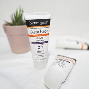 Kem Chống Nắng Clean Face Oil Free SPF 55 Neutrogena 88ML